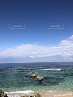 自然,海,空,ビーチ,海岸,沖縄,景色,岩,古宇利島,ハートロック,嵐,インスタ映え,嵐CM,恋愛のパワースポット