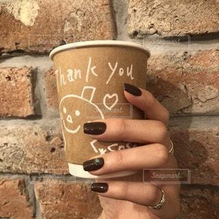 カフェ,建物,コーヒー,ネイル,手持ち,岩,人物,地面,ポートレート,石,手書き,ライフスタイル,手元