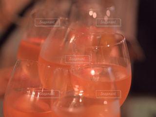 飲み物,ガラス,人物,液体,イベント,食器,グラス,カクテル,乾杯,ドリンク,パーティー,アルコール,打ち上げ,手元,飲料,打上げ
