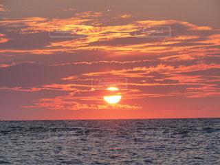 空,太陽,ビーチ,雲,夕暮れ,水面,海岸,光