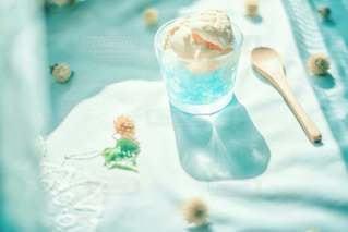 暑い夏をのりきるにはアイス必需品♡笑の写真・画像素材[3509308]