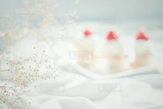 食べ物,カフェ,ケーキ,いちご,クリーム,デザート,果物,リラックス,アイスクリーム,甘い,甘味,ベリー,フルーツケーキ,おうちカフェ,ホイップクリーム,ドリンク,誕生日ケーキ,おうち,菓子,ライフスタイル,マスカルポーネ,イチゴ,ベッド,酪農,カスミソウ,ペストリー,冷菓,バタークリーム,おうち時間,ウエディング ケーキ