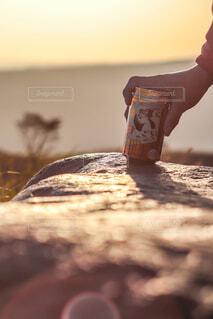 大自然の絶景をつまみにハイボールは至福🏕🏔🌄✨の写真・画像素材[4402786]