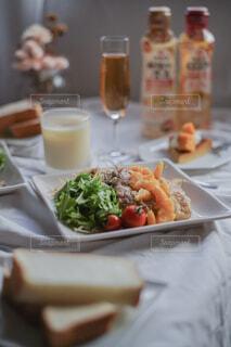 チキンソテーオレンジソース🍊お肉もジューシーでオレンジソースがまた美味💕💕💕の写真・画像素材[4840591]