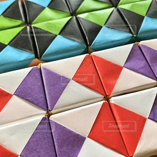 たくさんのキューブで動く折り紙の写真・画像素材[3162425]
