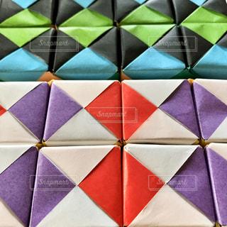 たくさんのキューブで動く折り紙の写真・画像素材[3162428]