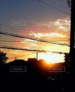 空,太陽,雲,夕焼け,夕暮れ,シルエット,光