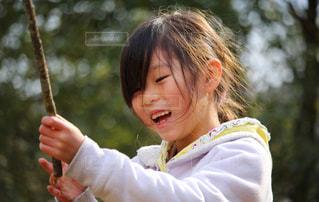 笑顔の女の子の写真・画像素材[2964692]