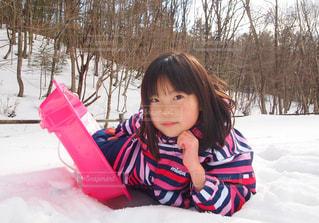 雪と女の子の写真・画像素材[2964699]