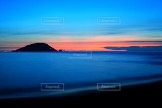 夏の静かな海の写真・画像素材[3622657]