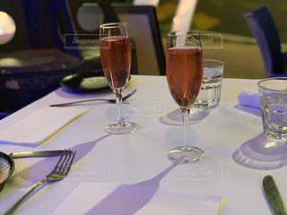 20代,ワイン,グラス,乾杯,ドリンク,女子会,スパークリングワイン,おしゃれ