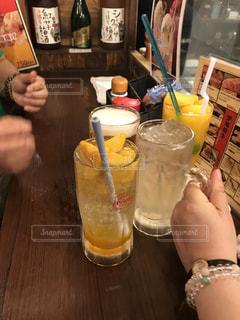 夜,マンゴー,屋台,沖縄,グラス,乾杯,ドリンク,焼き鳥屋,レモンサワー
