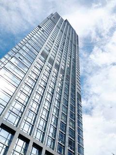 高層ビルと空の写真・画像素材[2428460]