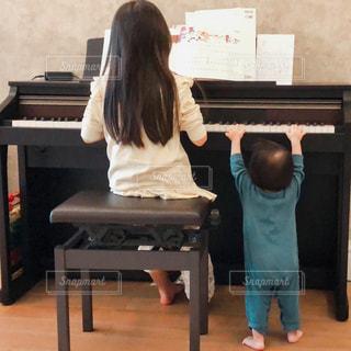 ピアノの練習の写真・画像素材[3174011]