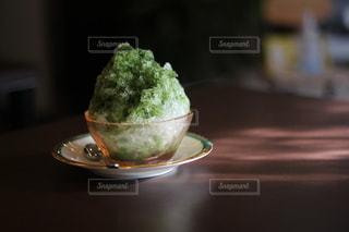 美味しそうな抹茶かき氷の写真・画像素材[3641636]