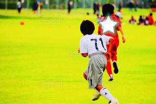 フィールド上のサッカー選手の写真・画像素材[2334085]