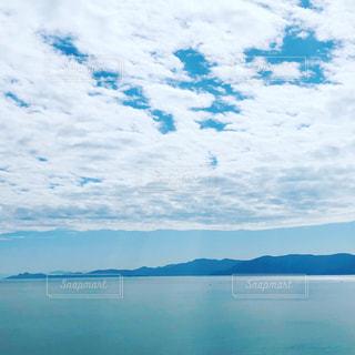 大きな水域の写真・画像素材[2438291]