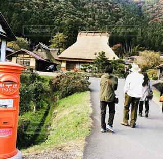 京都府美山町 茅葺きの屋根の写真・画像素材[2560722]