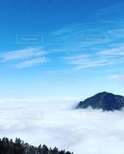 穂高山頂より雲海の写真・画像素材[3577510]