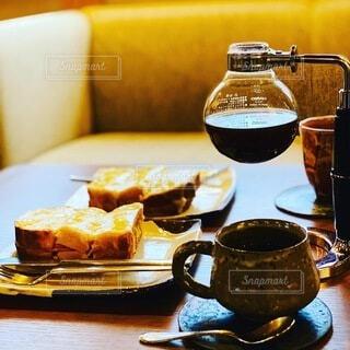 コーヒーとクロックムッシュの写真・画像素材[3934453]