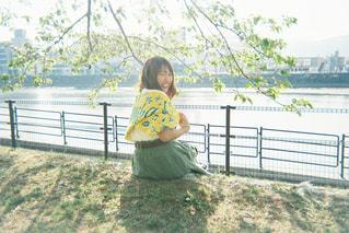 風景,夜,屋外,少女,樹木,人物,人,笑顔,フィルム,少年,若い,フィルム写真,フィルムフォト