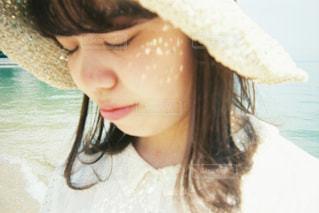 帽子をかぶった女性の写真・画像素材[2454686]