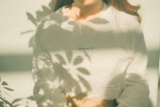女性のぼやけたイメージの写真・画像素材[3107877]