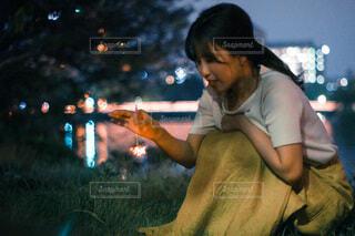 携帯電話で話している人の写真・画像素材[3615764]