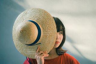 帽子をかぶった人の写真・画像素材[4749189]