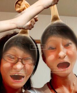 歯を磨く女性の写真・画像素材[2370091]