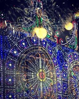 ガラスの中のルミナリエの写真・画像素材[2373307]