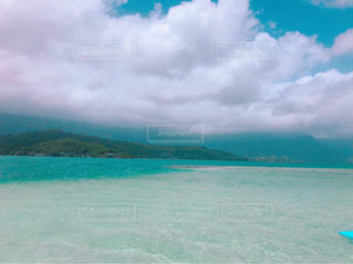 海の隣の水の写真・画像素材[2352823]