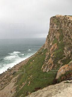 岩の多い丘の写真・画像素材[2418732]