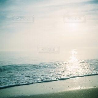 自然,風景,海,空,屋外,朝日,ビーチ,雲,砂浜,波,水面,海岸,人,正月,お正月,日の出,友達,新年,初日の出,富山,日本海,雨晴海岸,富山湾