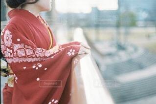女性,風景,空,屋外,赤,女の子,人,イベント,和服,お祝い,晴れ着,前撮り,振袖,富山,成人式,20歳,和装,行事,環水公園,成人の日,赤い振袖