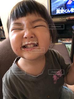 少年のクローズアップの写真・画像素材[2349809]