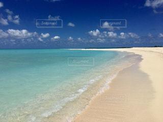 透き通る海の写真・画像素材[2352517]