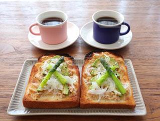 2人分の朝食の写真・画像素材[3225562]