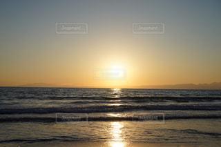 海,空,太陽,ビーチ,夕暮れ,水面,光,地平線