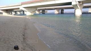 海辺に架かる橋の写真・画像素材[2367071]