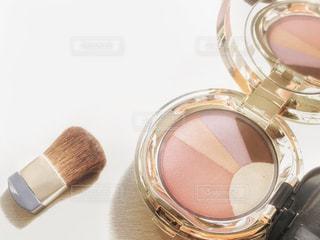ピンク,朝日,白,反射,光,鏡,テーブル,テーブルフォト,美容,ハイライト,コスメ,シャドー,化粧品,チーク,ブラシ,コンパクト,余白,多色,ワンセット