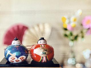 テーブルの上のひな人形の写真・画像素材[2976997]