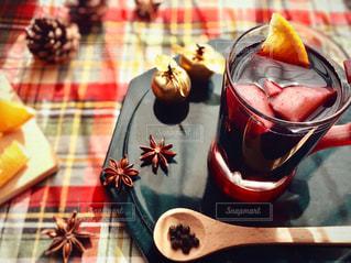 グリューワインのグラスの写真・画像素材[3121793]