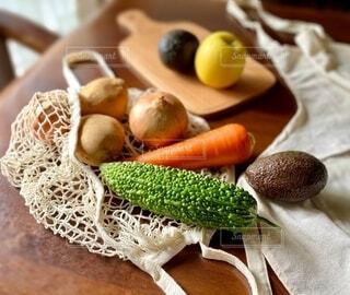 エコバックから出した野菜たちの写真・画像素材[3694979]