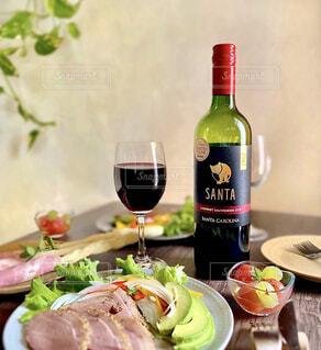 サンタカロリーナの赤ワインの写真・画像素材[4309900]