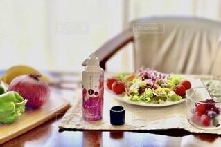 テーブル,フルーツ,サラダ,アンバサダー,ベースミネラル