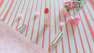ピンク色と赤色のアートの写真・画像素材[3126751]
