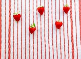 赤い苺のクローズアップの写真・画像素材[3339271]