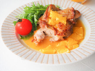 食べ物,白,オレンジ,野菜,皿,レシピ,もも肉,付け合わせ,オレンジソース,料理のための清酒