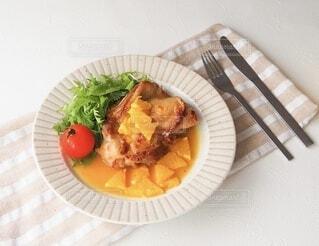 食べ物,オレンジ,フォーク,野菜,皿,鶏肉,物,料理のための清酒